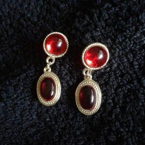 Jewelry - *Vintage* Beautiful drop earrings